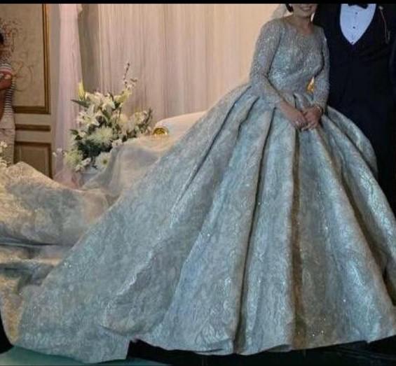أحد فساتين الزفاف