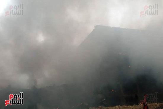 حريق مصنع أبو حوا للدراجات البخارية بقليوب (2)