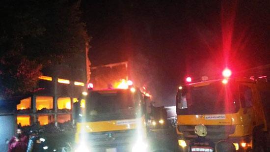 حريق-ضخم-بمصنع-للموتوسكلات-بقليوب-(5)