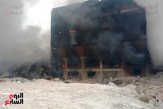 حريق مصنع أبو حوا للدراجات البخارية بقليوب (8)