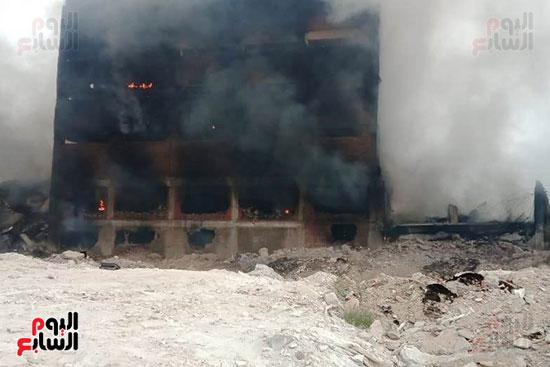 حريق مصنع أبو حوا للدراجات البخارية بقليوب (5)