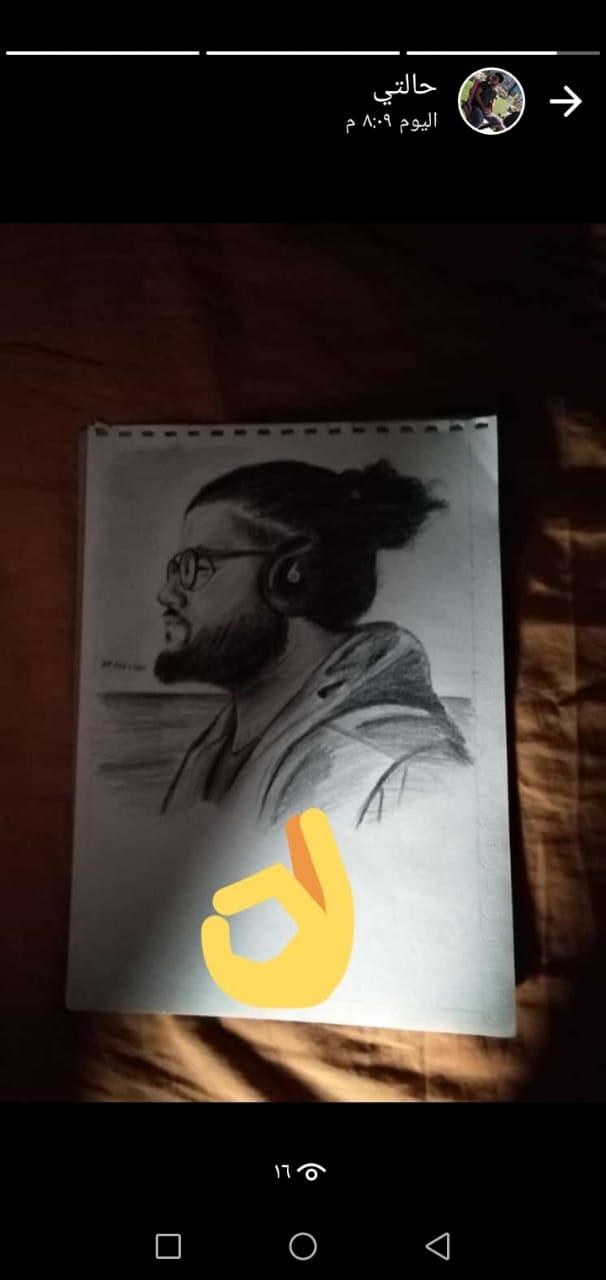لوحات فنية تبرز موهبته (1)