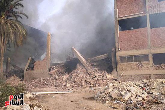 حريق مصنع أبو حوا للدراجات البخارية بقليوب (4)