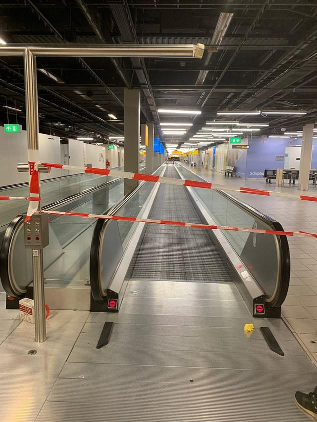 غلق الطرقات داخل المطار
