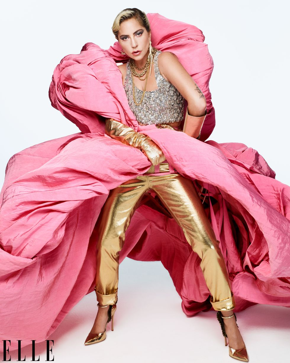 ليدى جاجا بالوردى مع الذهبى