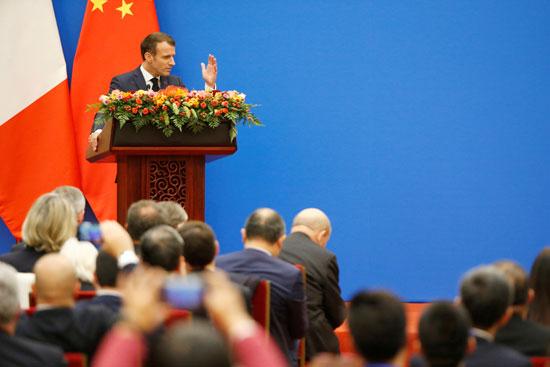 ماكرون-يتحدث-خلال-منتدى-اقتصادى-بالصين