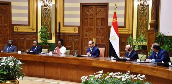 السيسى يلتقى رؤساء الوفود (2)