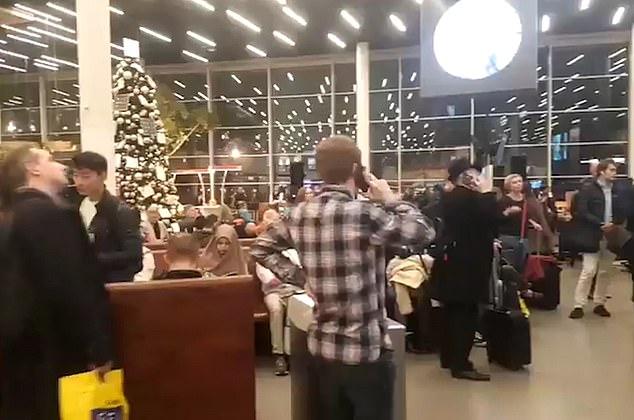 زحام فى المطار