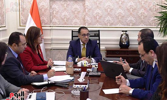 مصطفى مدبولى خلال الاجتماع (3)
