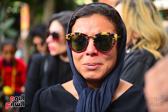 ناهد السباعى فى جنازة هيثم أحمد زكى