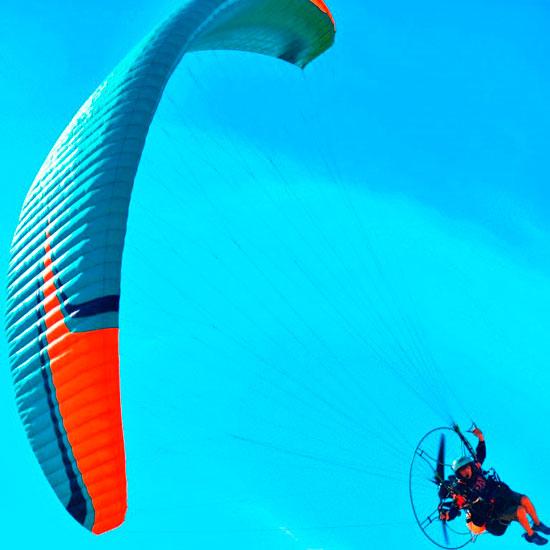 الباراموتور-رياضة-المظلة-الجوية-الساحرة-تظهر-في-سماء-الأقصر--(8)