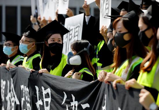 حالة-من-الفوضى-تهيمن-على-شوارع-هونج-كونج