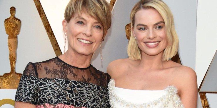 مارجويت روبى ووالدتها