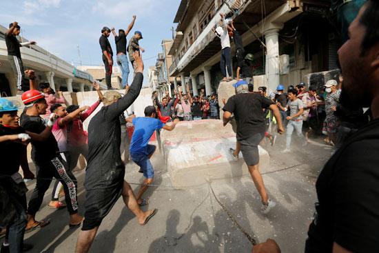 اشتباكات-بين-المتظاهرين-وقوات-الامن