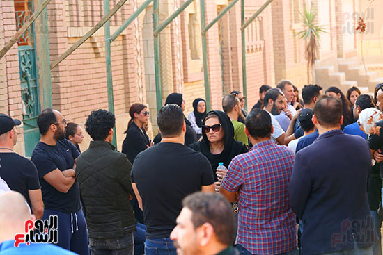 مراسم دفن جثمان هيثم احمد زكي (20)