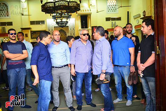 أحمد السبكى وحمادة صدقى فى جنازة هيثم أحمد زكى