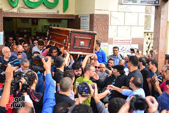 جنازة هيثم احمد زكي (28)