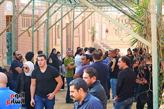 مراسم دفن جثمان هيثم احمد زكي (2)