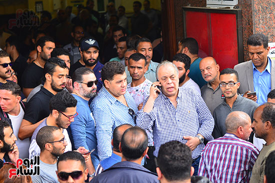 بالصور : أشهر النجوم المصرية في جنازة هيثم احمد زكي