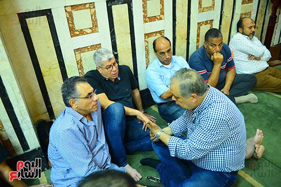 نقيب الممثلين مع أحمد شوبير وحمادة صدقى