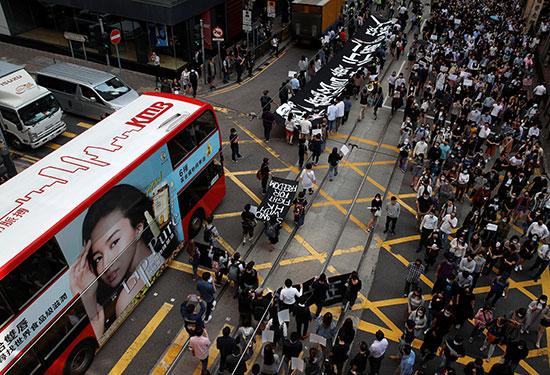 احتجاجات مستمرة فى هونج كونج