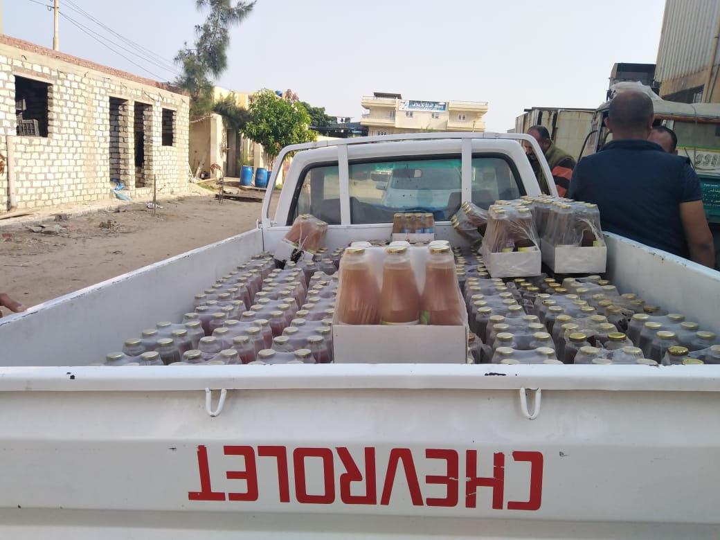 ضبط منتجات حلوى  منتهيه الصلاحية  اثناء اعادة تدويرها  لطرحها بالاسواق (2)