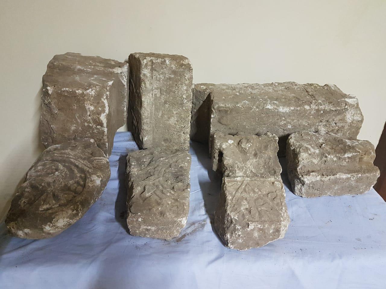العثور على قطع حجرية من كشف اثرى يعود للعصر القبطى  (4)