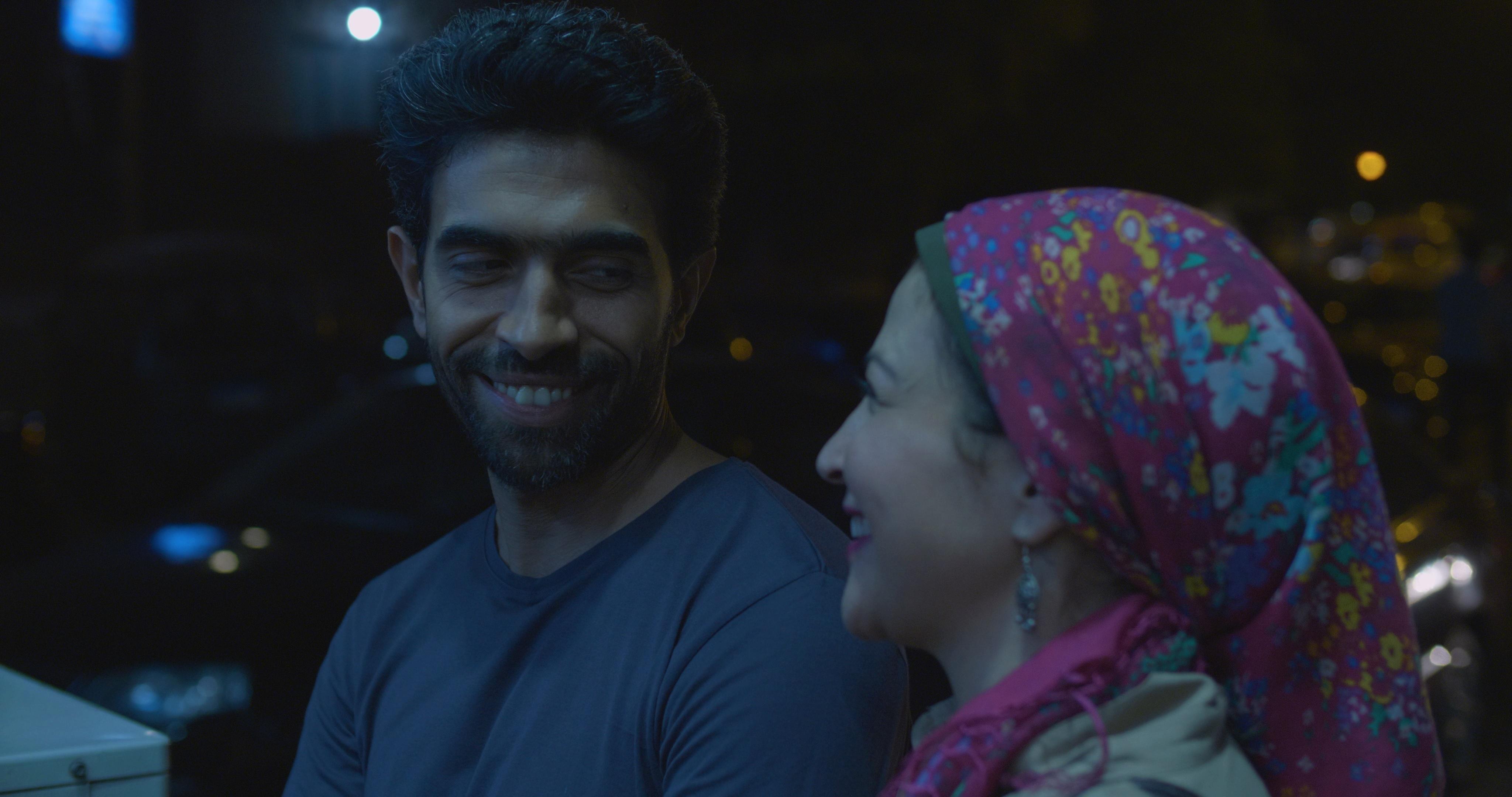 عمرو عابد وابتهال الصريطي في مشهد من الفيلم