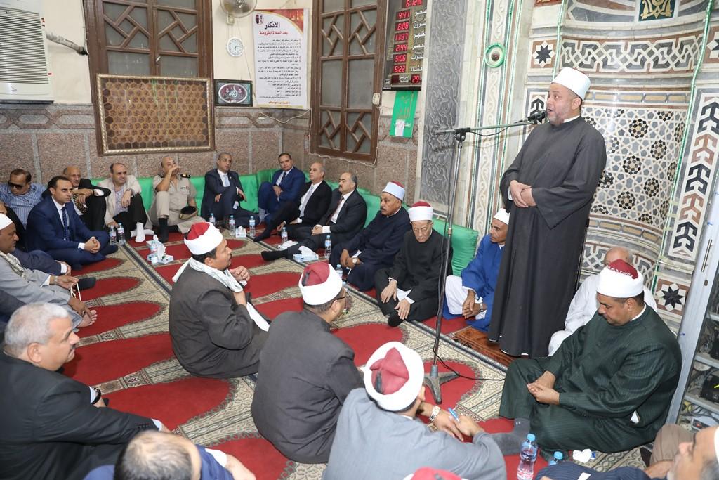 المحافظ يشهد الاحتفال بذكرى المولد النبوى (2)
