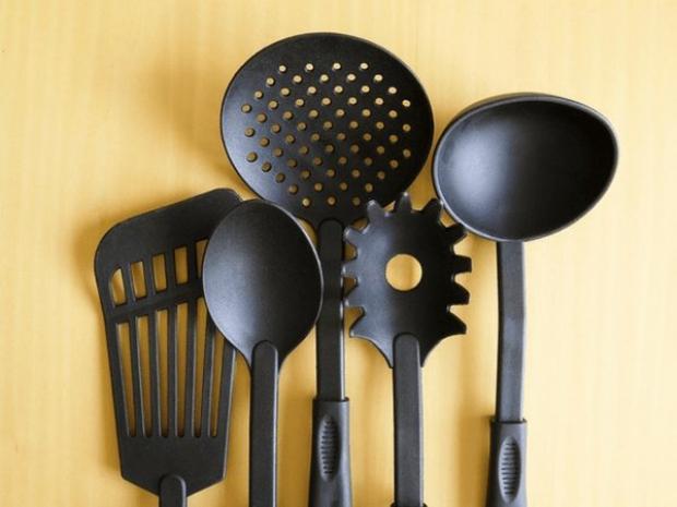 ادوات الطهى البلاستيك