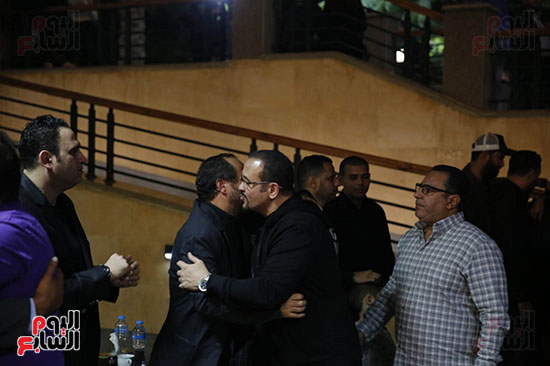 هشام عباس واكرم حسنى