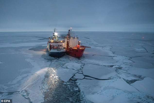 القطب الشمالى 2