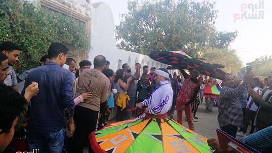شوارع قرية تونس تتحول لمسرح (9)