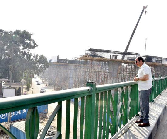 الرئيس عبد الفتاح السيسى يتفقد سير الأعمال الإنشائية بمجموعة مشروعات الطرق والكباري بمنطقة مصر الجديدة (7)