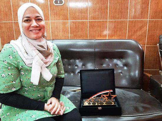 الدكتورة-ايناس-حمدي
