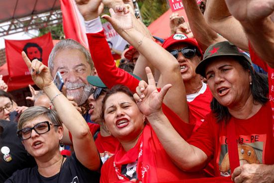 تظاهرات داعمة للرئيس سيلفا