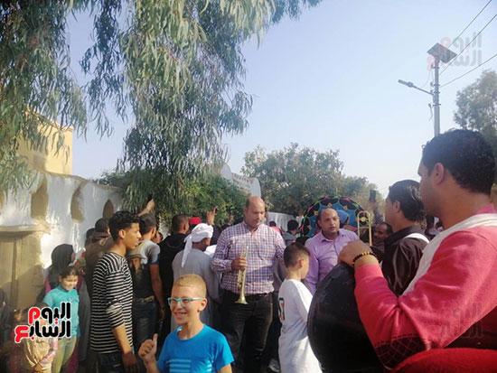 شوارع قرية تونس تتحول لمسرح (11)
