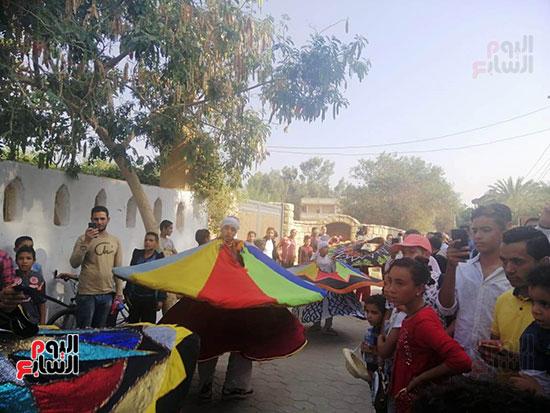 شوارع قرية تونس تتحول لمسرح (8)