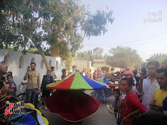 شوارع قرية تونس تتحول لمسرح (7)