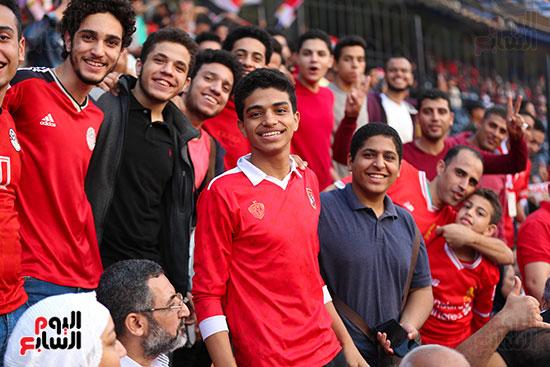 شباب فى استاد القاهرة