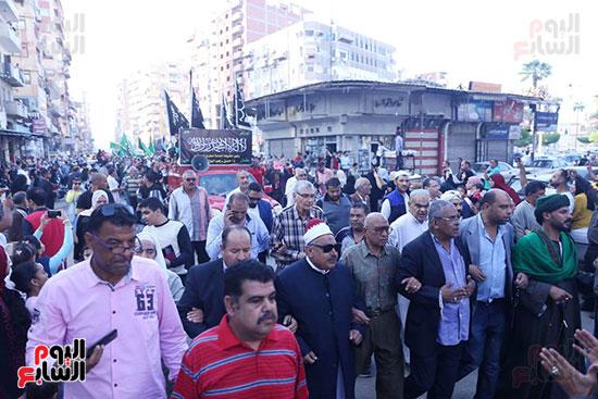 محافظ بورسعيد يستقبل موكب الاحتفال بالمولد (6)