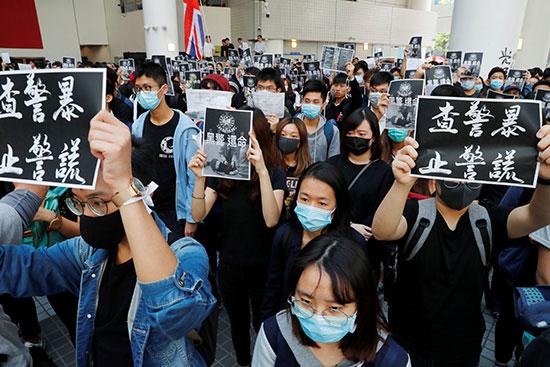 طلاب يحتجون بعد وفاة الطالب تشو