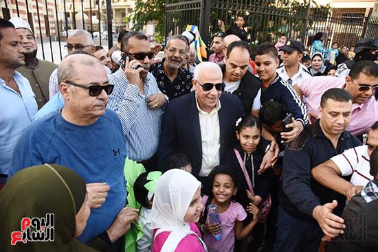 محافظ بورسعيد يستقبل موكب الاحتفال بالمولد (3)