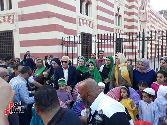 محافظ بورسعيد يستقبل موكب الاحتفال بالمولد (8)