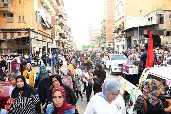 محافظ بورسعيد يستقبل موكب الاحتفال بالمولد (10)