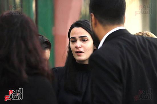 خطيبة هيثم احمد زكي تنهار من البكاء