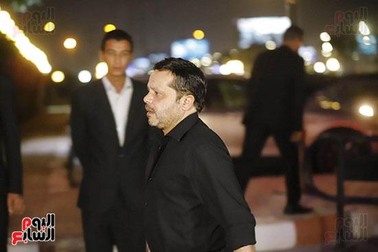 محمد هنيدي حرص علي تقديم واجب العزاء