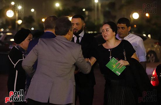 اشرف زكي مع رامي اخو هيثم احمد زكي
