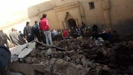 انهيار حائط الكنيسة الأثرية بالمنيا (2)
