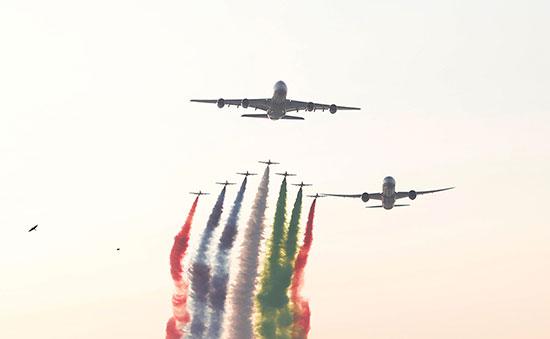 طائرات تشارك فى الاحتفالات
